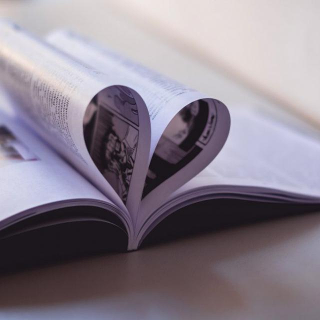 Liimanidottu-kirja